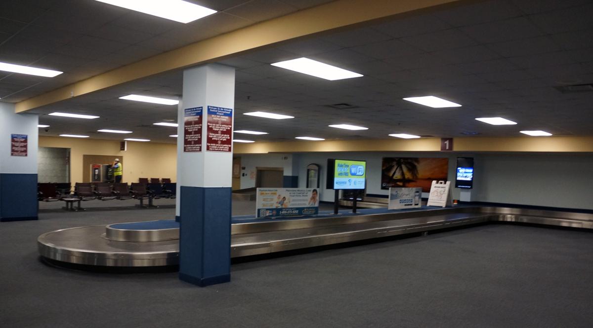 arrivals-and-baggage-claimorlandosanfordairport2012-3_26053