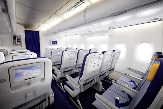 Lufthansa economy A380-thumb-560x377-89841